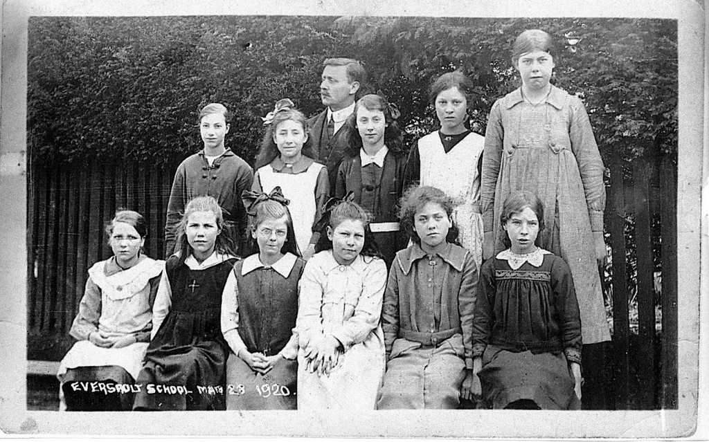 school_girls_mar_1920